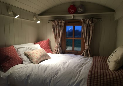 Plankbridge shepherd's hut annexe
