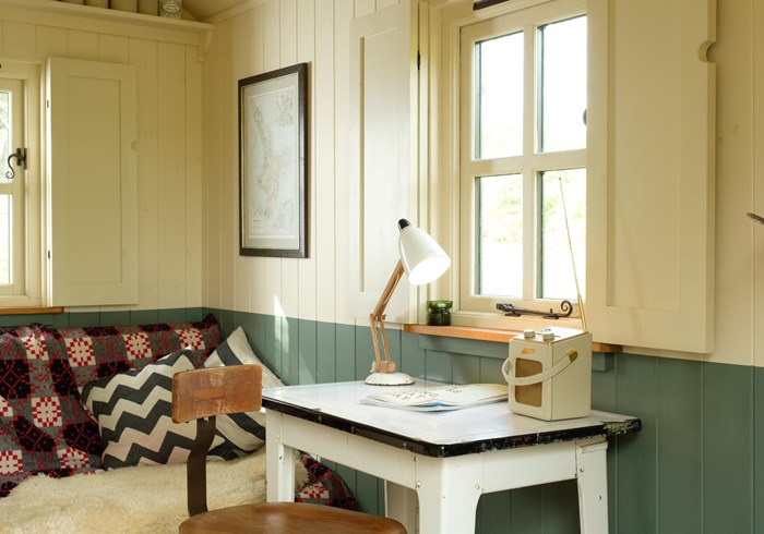Plankbridge shepherd hut garden workroom