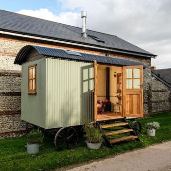 Plankbridge Cabin Shepherd's Hut with double doors