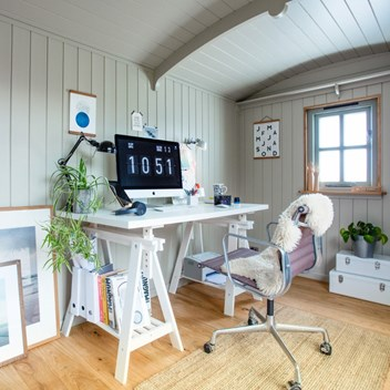 Shepherd's Hut Home Office
